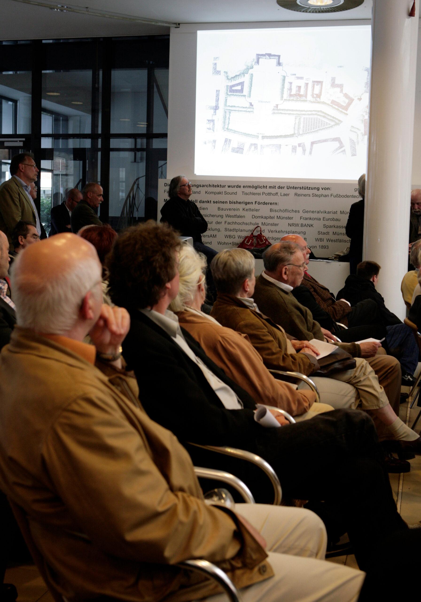 Münster Modell: Ortstermin 5 - Podiumdiskussion um den Hindenburgplatz (2008) - Entwurf von Dieter G. Baumewerd - Foto: MünsterView/Tronquet
