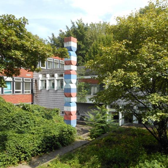 Franz Rudolf Knubel: Skulptur in Münster, Tuber ABL/68, Hygienisch-Bakteriologisches Landesuntersuchungsamt Westfalen - Foto: Stefan Rethfeld